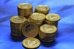 Pila delle monete del Bahrain immagini stock