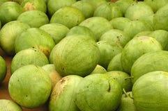 Pila di anguria da vendere Immagine Stock Libera da Diritti