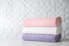 Pila di asciugamani di bagno molli immagini stock libere da diritti