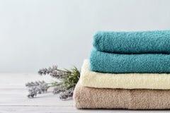 Pila di asciugamani di bagno Immagine Stock