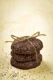 Pila di biscotti del cioccolato del seme di chia Fotografia Stock