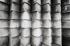 Pila di blocchetti del cemento al cantiere immagini stock