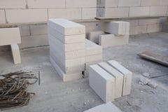 Pila di blocco in calcestruzzo leggero bianco, blocchetto del cemento cellulare immagine stock libera da diritti