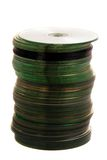 Pila di Cd o di DVD isolata su priorità bassa bianca Immagini Stock