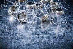 Pila di concetto torto della bevanda dell'alimento dei sugheri del metallo Fotografie Stock