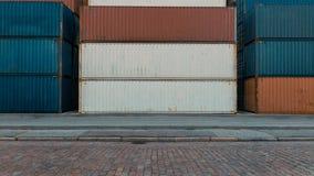 Pila di contenitori fotografie stock