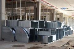 Pila di elementi delle condotte di ventilazione Fotografie Stock