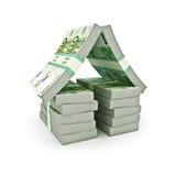 Pila di euro soldi sotto forma di una casa Fotografie Stock Libere da Diritti