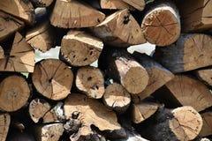 Pila di fondo della legna da ardere Fotografie Stock Libere da Diritti
