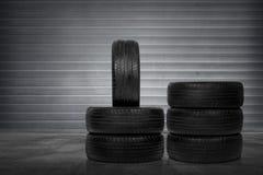Pila di gomme di automobile immagine stock libera da diritti