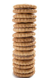 Pila di isolato casalingo dei biscotti della pasticceria del cioccolato su fondo bianco Fotografie Stock