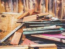 Pila di legno con il recinto di legno Immagini Stock Libere da Diritti