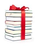 Pila di libri con il nastro Immagini Stock
