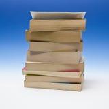 Pila di libri di libro in brossura immagini stock libere da diritti