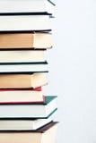 Pila di libri molto alta Fotografie Stock Libere da Diritti