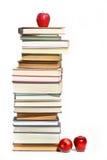 Pila di libri su bianco Immagine Stock Libera da Diritti