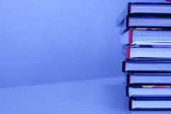 Pila di libri sulla tabella Fotografia Stock