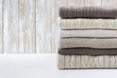 Pila di maglioni caldi Fotografia Stock