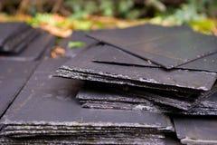 Pila di mattonelle dell'ardesia Fotografie Stock