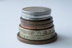 Pila di monete inglesi Fotografia Stock Libera da Diritti