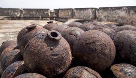 Pila di palle di cannone Immagine Stock