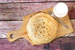 Pila di pancake russi freschi Fotografia Stock Libera da Diritti