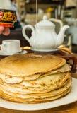 Pila di pancake sottili Fotografia Stock Libera da Diritti