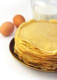 Pila di pancake sottili Fotografie Stock Libere da Diritti