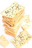 Pila di pane crunchy con sesamo sulla parte superiore Immagine Stock
