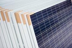 Pila di pannelli solari fotovoltaici Immagini Stock Libere da Diritti