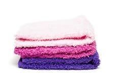 Pila di pezzuola per lavare del tessuto spugna Fotografie Stock