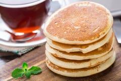 Pila di piccoli pancake Fotografie Stock Libere da Diritti