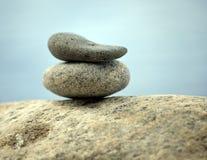 Pila di pietre della spiaggia Fotografia Stock