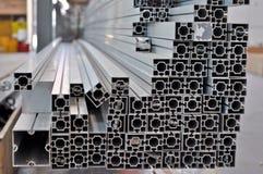 pila di profili strutturali di alluminio Fotografie Stock Libere da Diritti