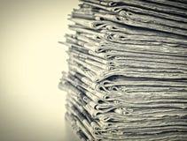 Pila di quotidiani Fotografia Stock Libera da Diritti