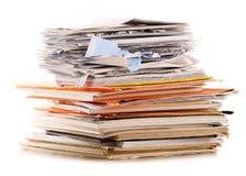 Pila di riciclaggio della carta su bianco Fotografia Stock Libera da Diritti