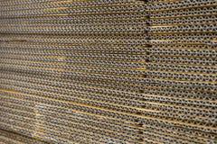 Pila di scatole di cartone ondulate vista del egde di boxe appiattito fotografie stock