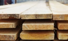 Pila di schede di legno Immagini Stock