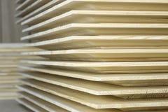 Pila di schermi di legno fotografia stock libera da diritti