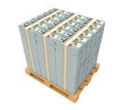 Pila di soldi con il pallet di legno Fotografia Stock Libera da Diritti