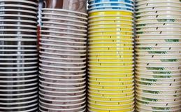 Pila di tazze di carta del caffè Fotografia Stock Libera da Diritti