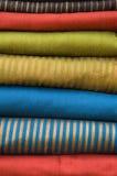 Pila di tessuti di seta Fotografia Stock