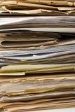 Pila di vecchi archivi cartacei come priorità bassa Fotografia Stock Libera da Diritti