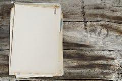 Pila di vecchi documenti Fotografie Stock Libere da Diritti