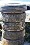 Pila di vecchie gomme Fotografie Stock Libere da Diritti