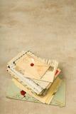Pila di vecchie lettere Fotografie Stock Libere da Diritti