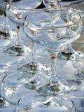 Pila di vetri di vino vuoti Fotografia Stock