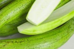 Pila di zucca organica fresca di luffa Fotografia Stock Libera da Diritti