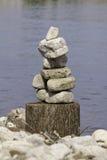 Pila equilibrada de rocas Foto de archivo libre de regalías