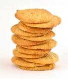Pila escalonada de galletas de mantequilla hechas en casa de cacahuete imagenes de archivo